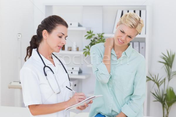 Doktor hasta boyun ağrı tıbbi Stok fotoğraf © wavebreak_media
