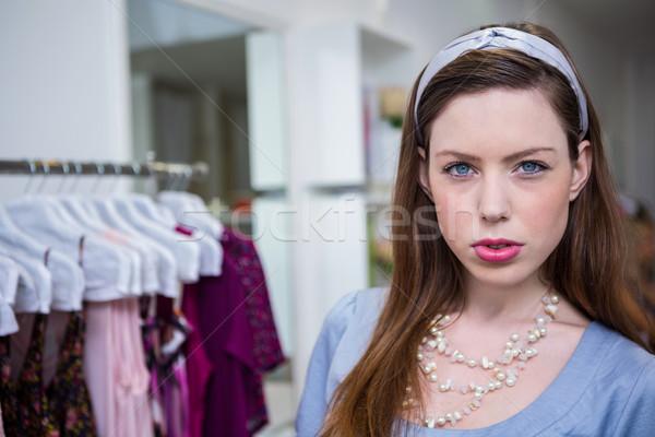 Morena câmera moda boutique compras roupa Foto stock © wavebreak_media