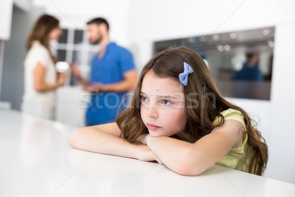 Triest meisje tabel ruzie ouders Stockfoto © wavebreak_media