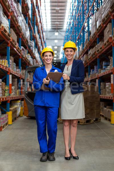 Depo müdür işçi ayakta birlikte portre Stok fotoğraf © wavebreak_media
