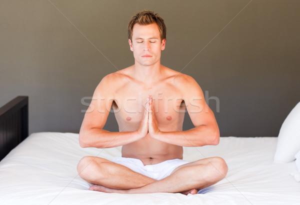 йога кровать глазах привлекательный спорт Сток-фото © wavebreak_media