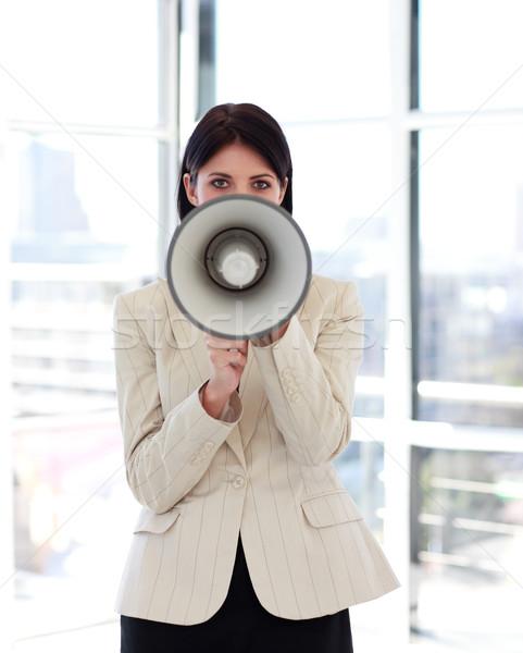üzletasszony kiált megafon kamerába vonzó néz Stock fotó © wavebreak_media