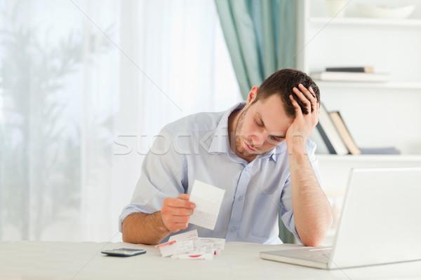 Jeunes affaires anxieux ordinateur travail Photo stock © wavebreak_media