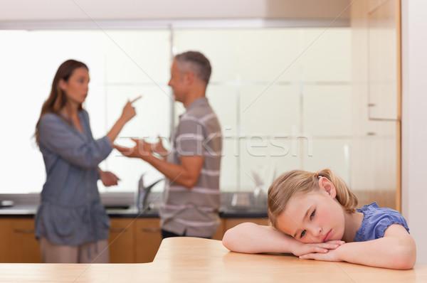 üzücü küçük kız dinleme ebeveyn tartışma mutfak Stok fotoğraf © wavebreak_media