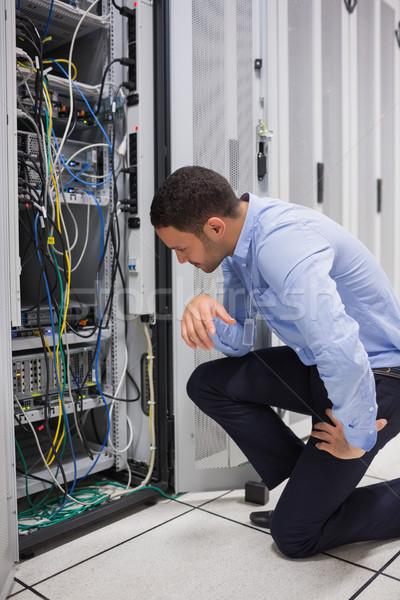 Stock fotó: Technikus · néz · kábelek · szerver · adatközpont · számítógép