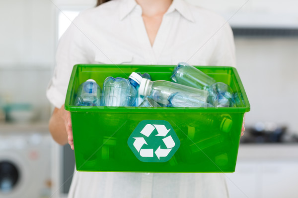 Középső rész nő hordoz doboz újrahasznosítás szimbólum Stock fotó © wavebreak_media