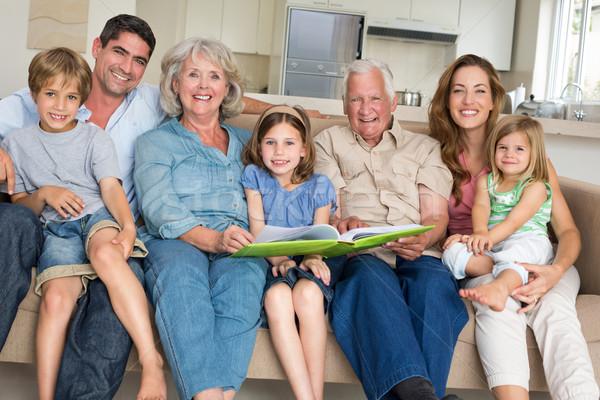 Család mesekönyv otthon portré boldog ház Stock fotó © wavebreak_media