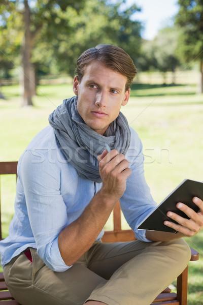 молодым человеком блокнот мышления Сток-фото © wavebreak_media