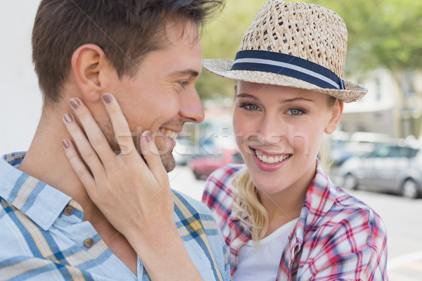 молодые бедро пару улыбающаяся женщина улыбаясь камеры Сток-фото © wavebreak_media