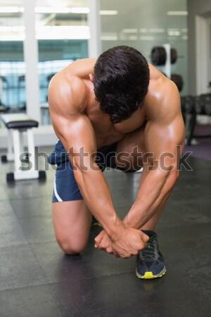 Gömleksiz kas adam spor salonu tam uzunlukta Stok fotoğraf © wavebreak_media