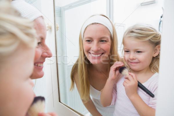 Gelukkig moeder dochter spelen make-up home Stockfoto © wavebreak_media