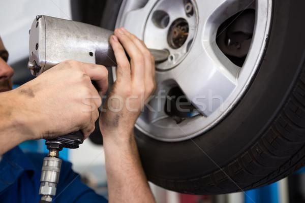 механиком шин колесо ремонта гаража службе Сток-фото © wavebreak_media