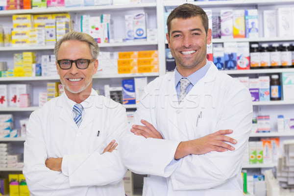 Squadra sorridere fotocamera farmacia uomo medici Foto d'archivio © wavebreak_media