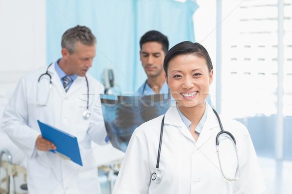 мужчины женщины врачи Xray медицинской Сток-фото © wavebreak_media