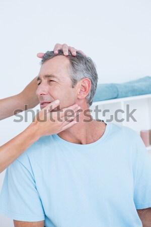 Kimerült férfi elvesz törik jogging tengerpart Stock fotó © wavebreak_media