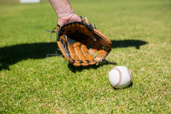 Mano béisbol pelota campo jugando cielo Foto stock © wavebreak_media