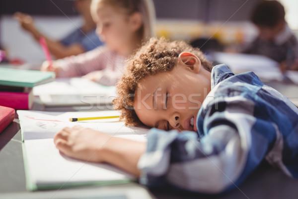 Fatigué écolier dormir classe école fille Photo stock © wavebreak_media