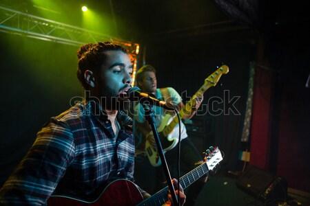Zespołu etapie nightclub człowiek mikrofon Zdjęcia stock © wavebreak_media