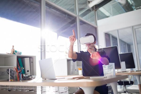 Kadın yürütme sanal gerçeklik kulaklık ofis Stok fotoğraf © wavebreak_media