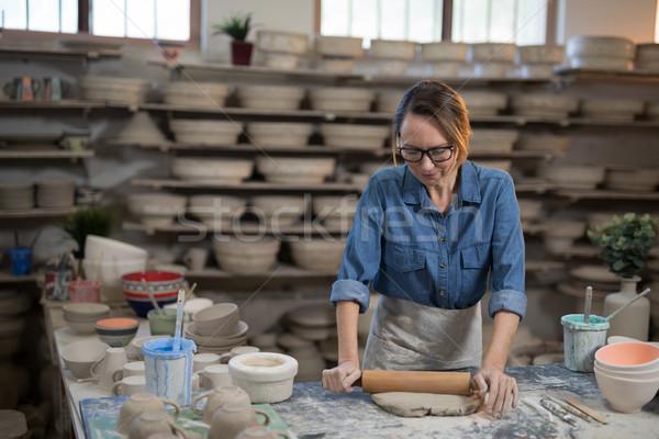 Kadın kil pin haddeleme atölye iş kadın Stok fotoğraf © wavebreak_media