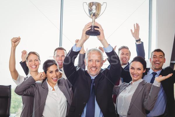 ストックフォト: 受賞 · ビジネスチーム · 執行 · トロフィー · 金