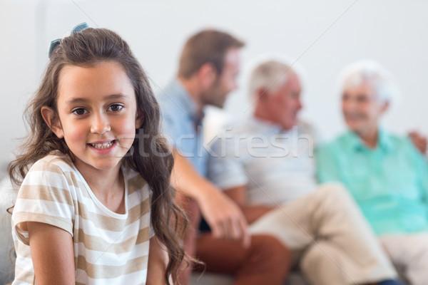 肖像 無邪気な 少女 座って リビングルーム ホーム ストックフォト © wavebreak_media