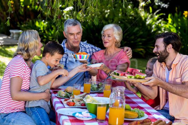 多世代家族 提供すること 食品 朝食 その他 愛 ストックフォト © wavebreak_media