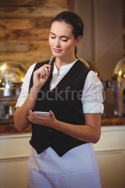 официантка порядка ноутбук ресторан женщину Сток-фото © wavebreak_media