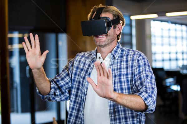 üzletember virtuális valóság kreatív férfi vállalati Stock fotó © wavebreak_media