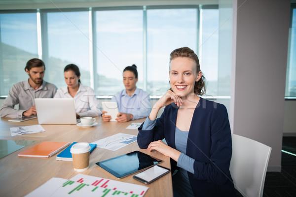портрет улыбаясь женщины бизнеса исполнительного сидят Сток-фото © wavebreak_media