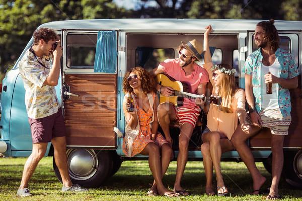 Gruppe Freunde Musik-Festival lächelnd Musik Stock foto © wavebreak_media