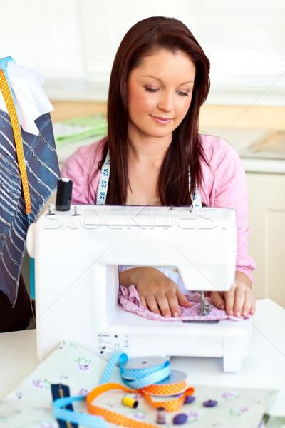 Alegre mulher de costura casa cozinha negócio Foto stock © wavebreak_media