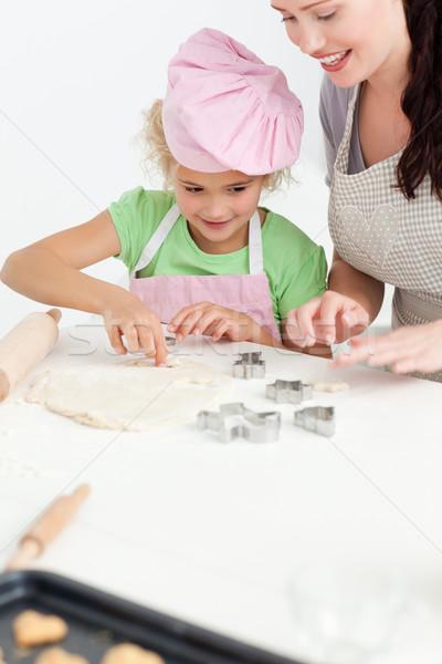 Cute dochter mooie moeder cookies Stockfoto © wavebreak_media
