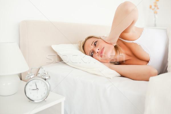Stanco donna up camera da letto mani letto Foto d'archivio © wavebreak_media