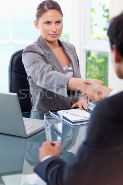 молодые деловая женщина клиентов служба бизнеса компьютер Сток-фото © wavebreak_media