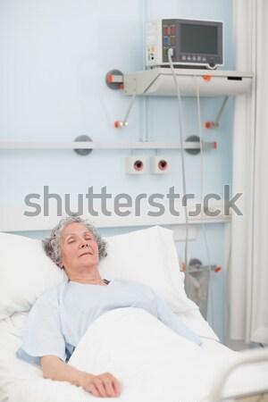 Férfi beteg vérátömlesztés kórház orvosi vér Stock fotó © wavebreak_media