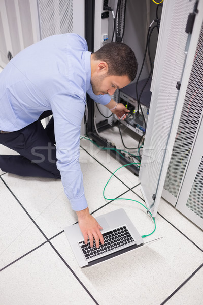 техник ноутбука сервер центр обработки данных компьютер Сток-фото © wavebreak_media