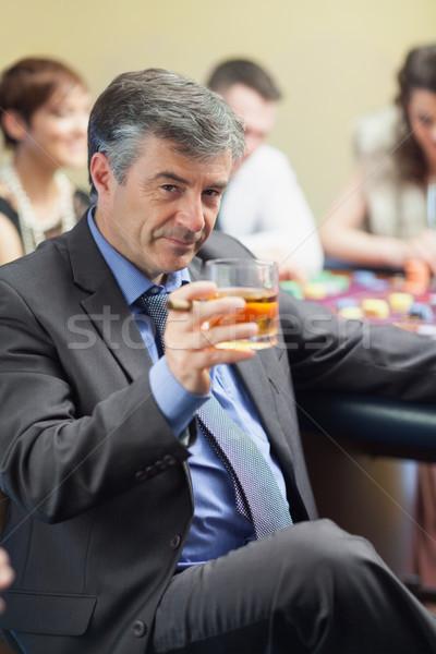 человека сигару виски стекла рулетка таблице Сток-фото © wavebreak_media