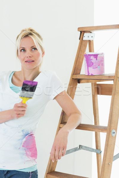 Bela mulher paint brush belo mulher jovem Foto stock © wavebreak_media
