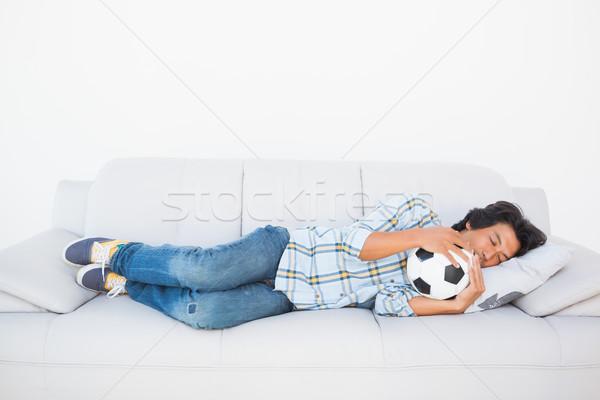 Voetbal fan slapen bank bal Stockfoto © wavebreak_media