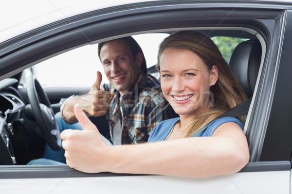 Casal sorridente câmera carro mulher Foto stock © wavebreak_media