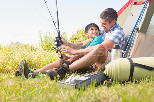 Apa fia vmi mellett sátor napos idő boldog gyermek Stock fotó © wavebreak_media