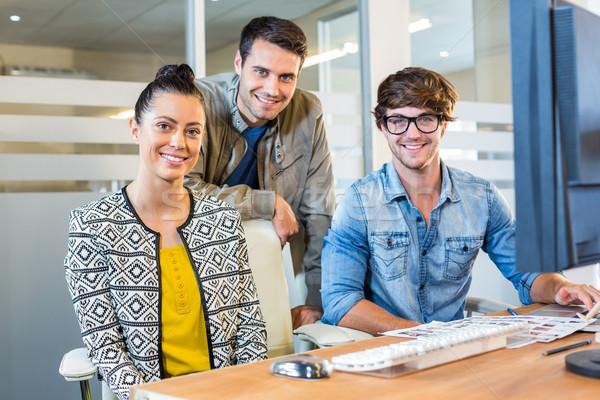 Profesional de trabajo fotos oficina negocios mujer Foto stock © wavebreak_media