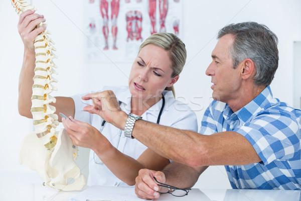 Doktor hasta omurga model tıbbi Stok fotoğraf © wavebreak_media