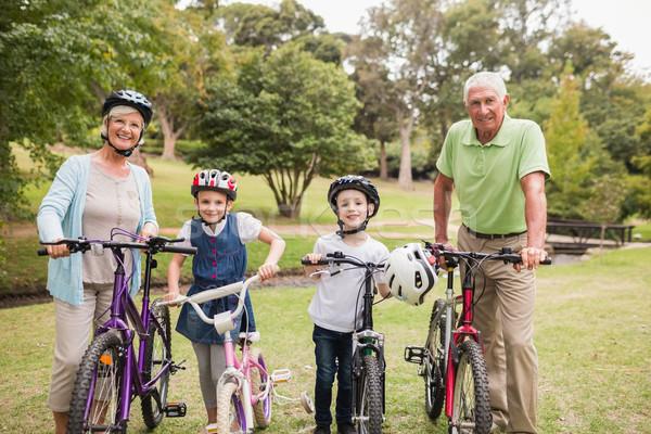 Feliz avós netos bicicleta homem Foto stock © wavebreak_media