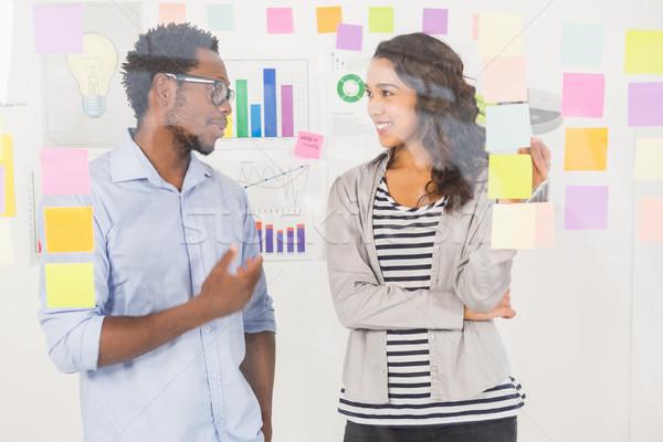 Fiatal üzleti csapat kreatív üzletemberek beszél férfi Stock fotó © wavebreak_media
