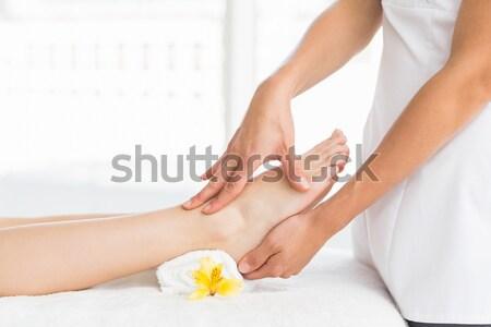 Oldalnézet fiatal nő pedikűr kezelés közelkép fürdő Stock fotó © wavebreak_media