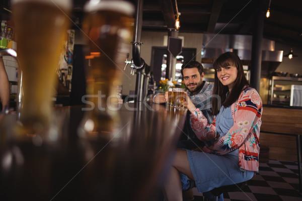 Portret gelukkig paar bril bier Stockfoto © wavebreak_media
