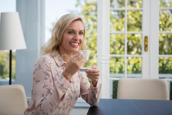 Stockfoto: Gelukkig · zakenvrouw · koffie · cafe · portret · vrouw