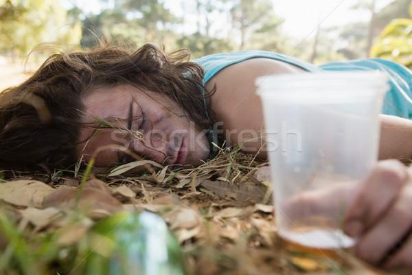 Eszméletlen férfi alszik park részeg nyár Stock fotó © wavebreak_media